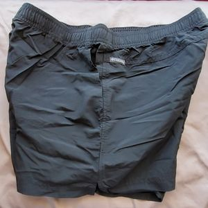 Columbia quick dry shorts, sz L